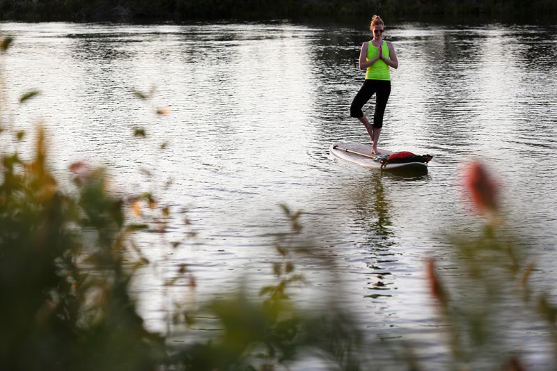 paddleboard-yoga02