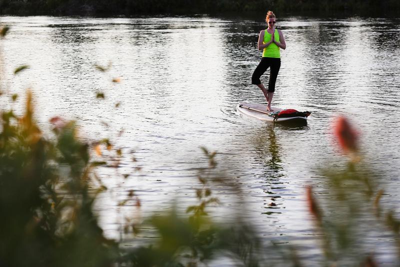 2013-paddleboard-yoga
