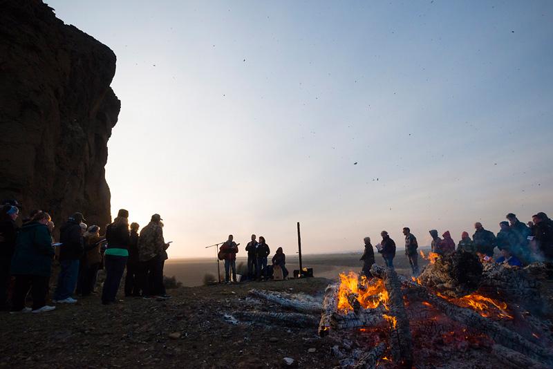 2014_04_fortrock-sunriseservice21-1