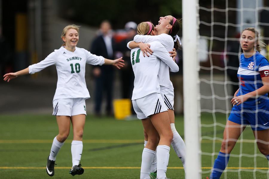 2015_11_hssoccer-sumstate-37
